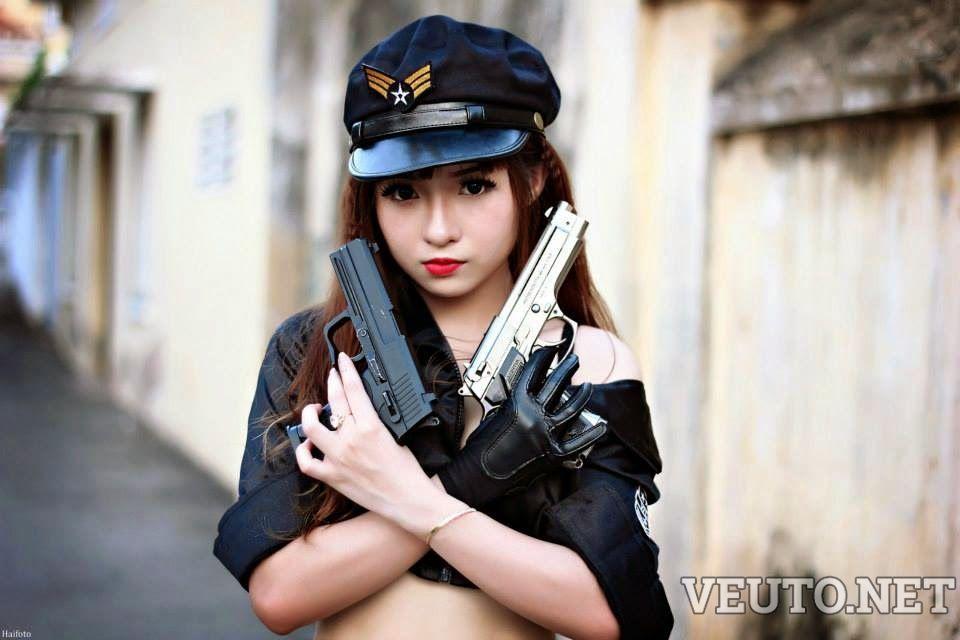 Bang…Bang….Cosplay girl police cute