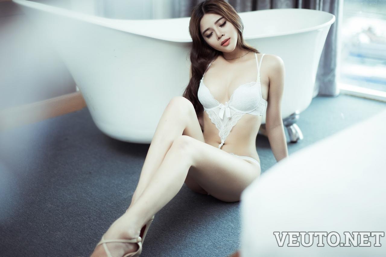 Hotgirl Vietnam in bath-room