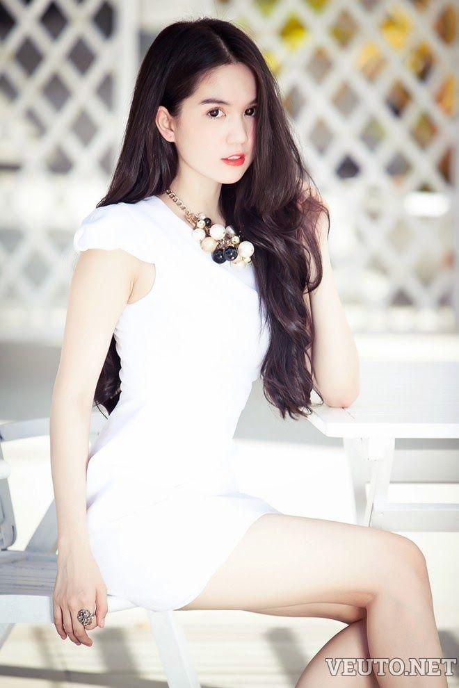 Ngoc Trinh cute girl